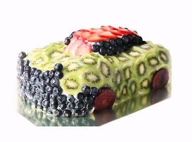 Машина из фруктов