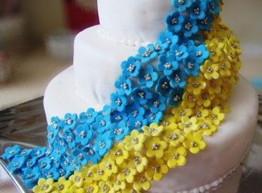 торт свадебный желто-голубой